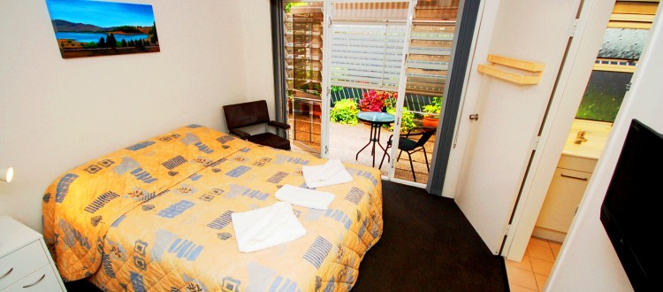 Isla House Greenslopes Interior - Double Bedroom