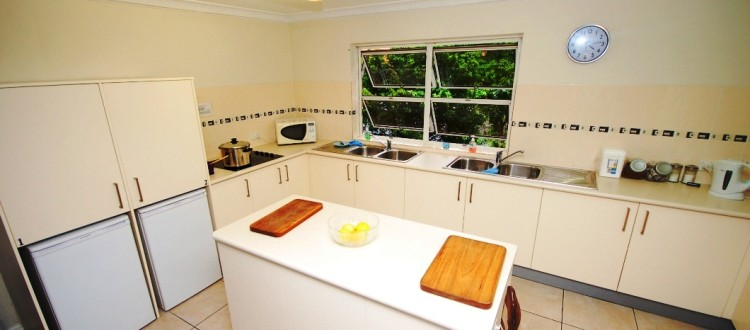 Isla House Greenslopes Interior - Kitchen